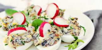 faszerowane jajka lchf