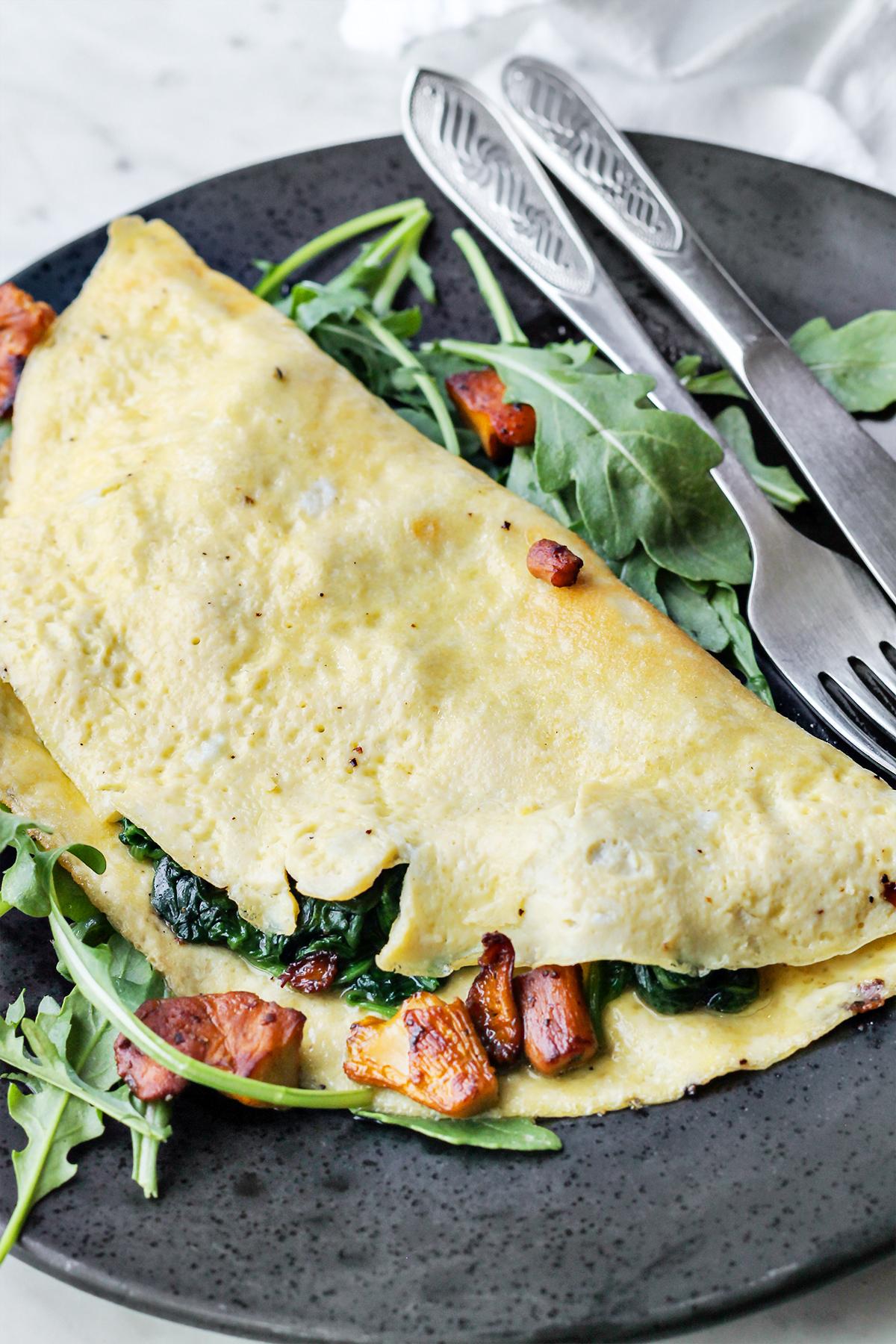 przepis na keto omlet z kurkami