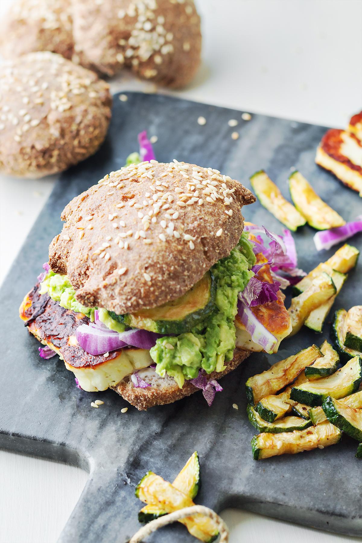 burger z halloumi lchf dieta konsultacje dietetyczne online