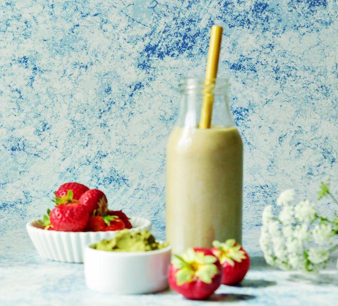 koktajl truskawkowy zdrowe nawyki lchf dieta