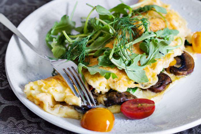 keto omlet zapiekany w serze lchf dieta