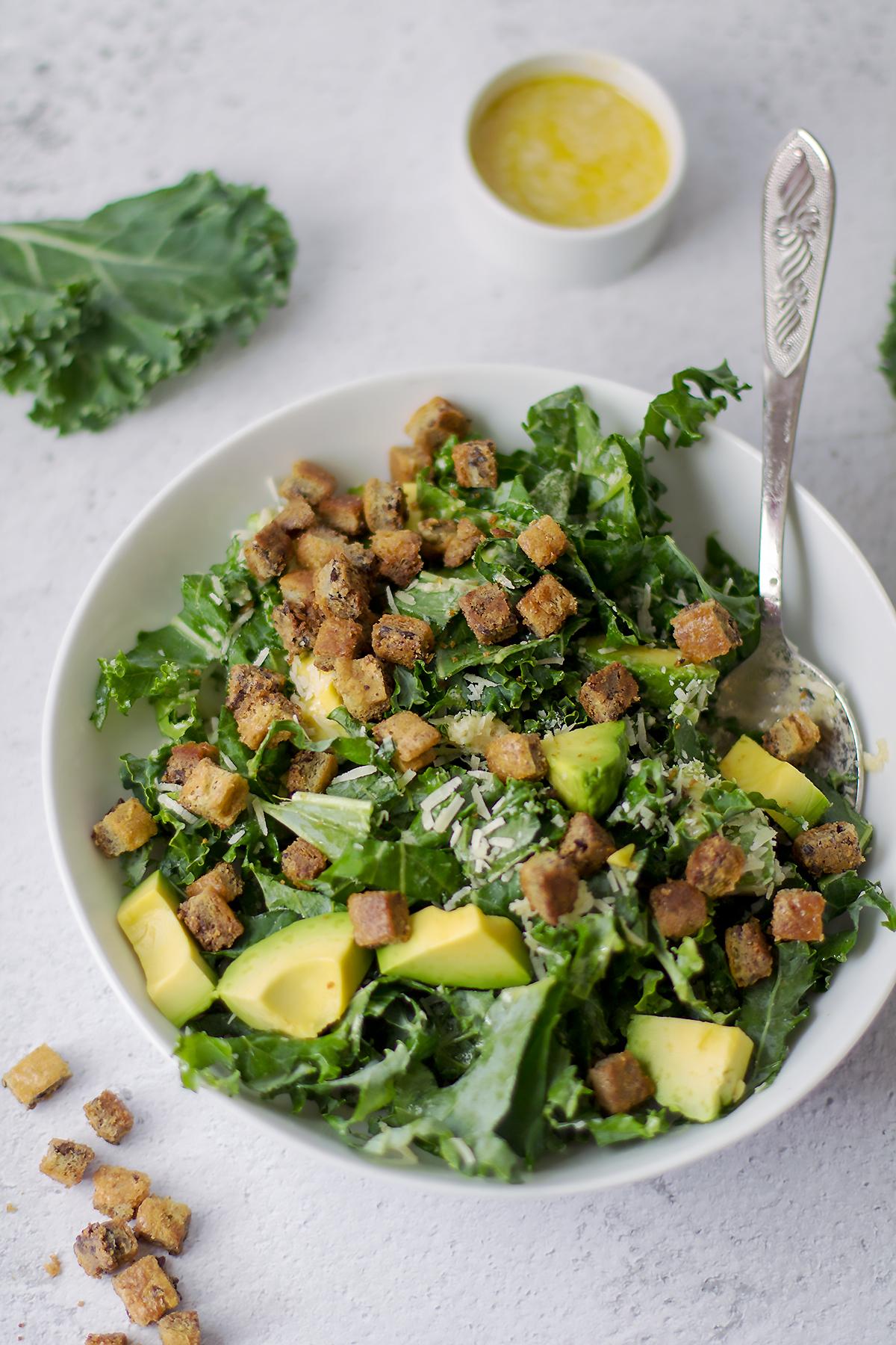 jarmuż w diecie sałatka zdrowe jedzenie lchf dieta keto